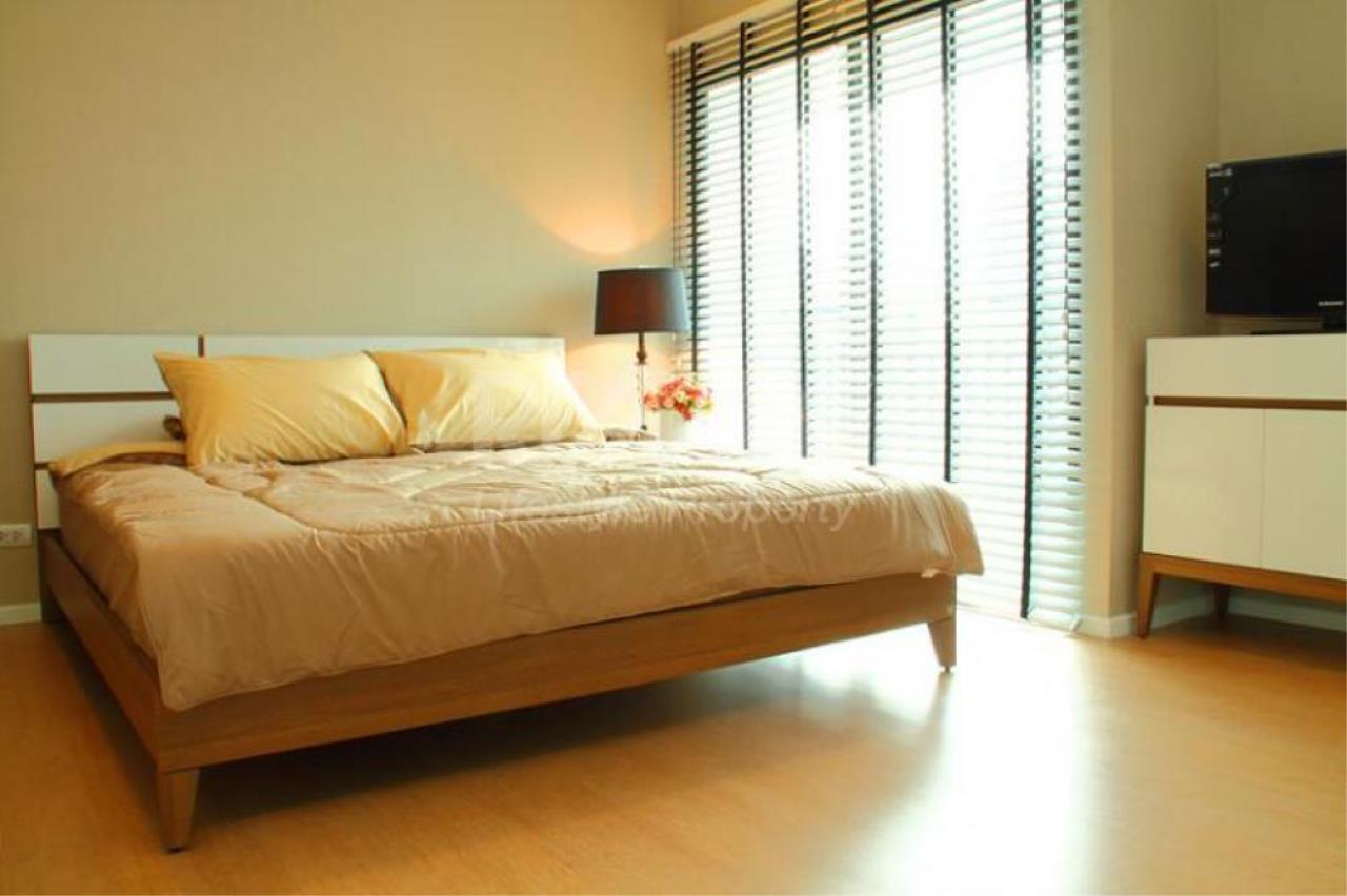 RE/MAX LifeStyle Property Agency's Renova Residence Chidlom 7