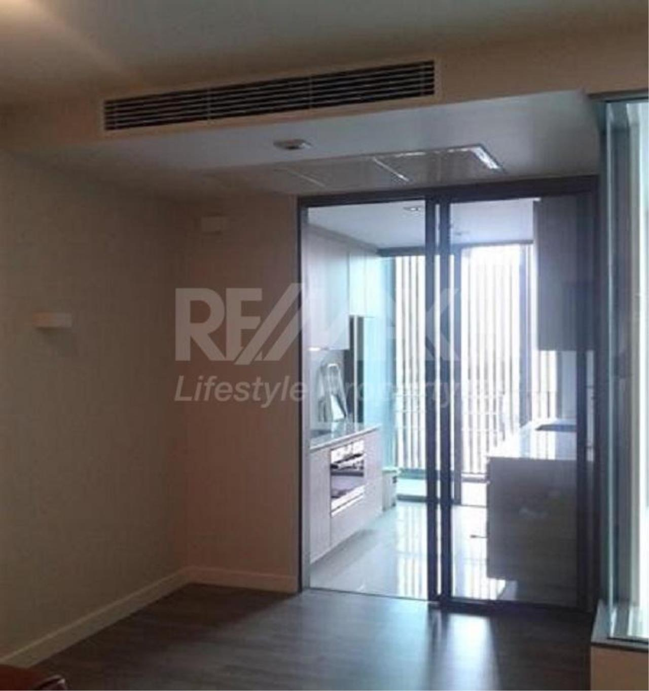 RE/MAX LifeStyle Property Agency's The Room BTS Wongwian Yai 8