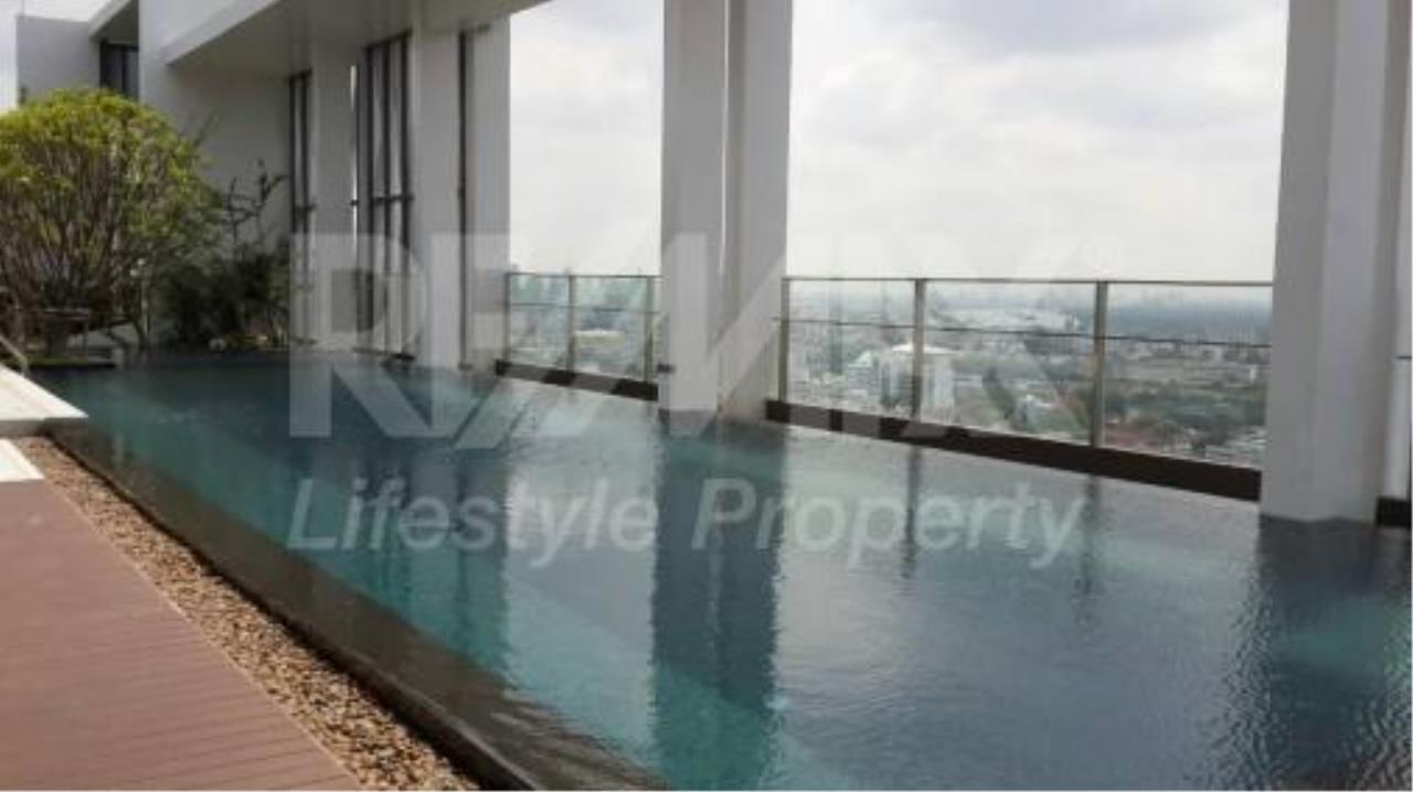 RE/MAX LifeStyle Property Agency's Rhythm Sathorn - Narathiwas 9