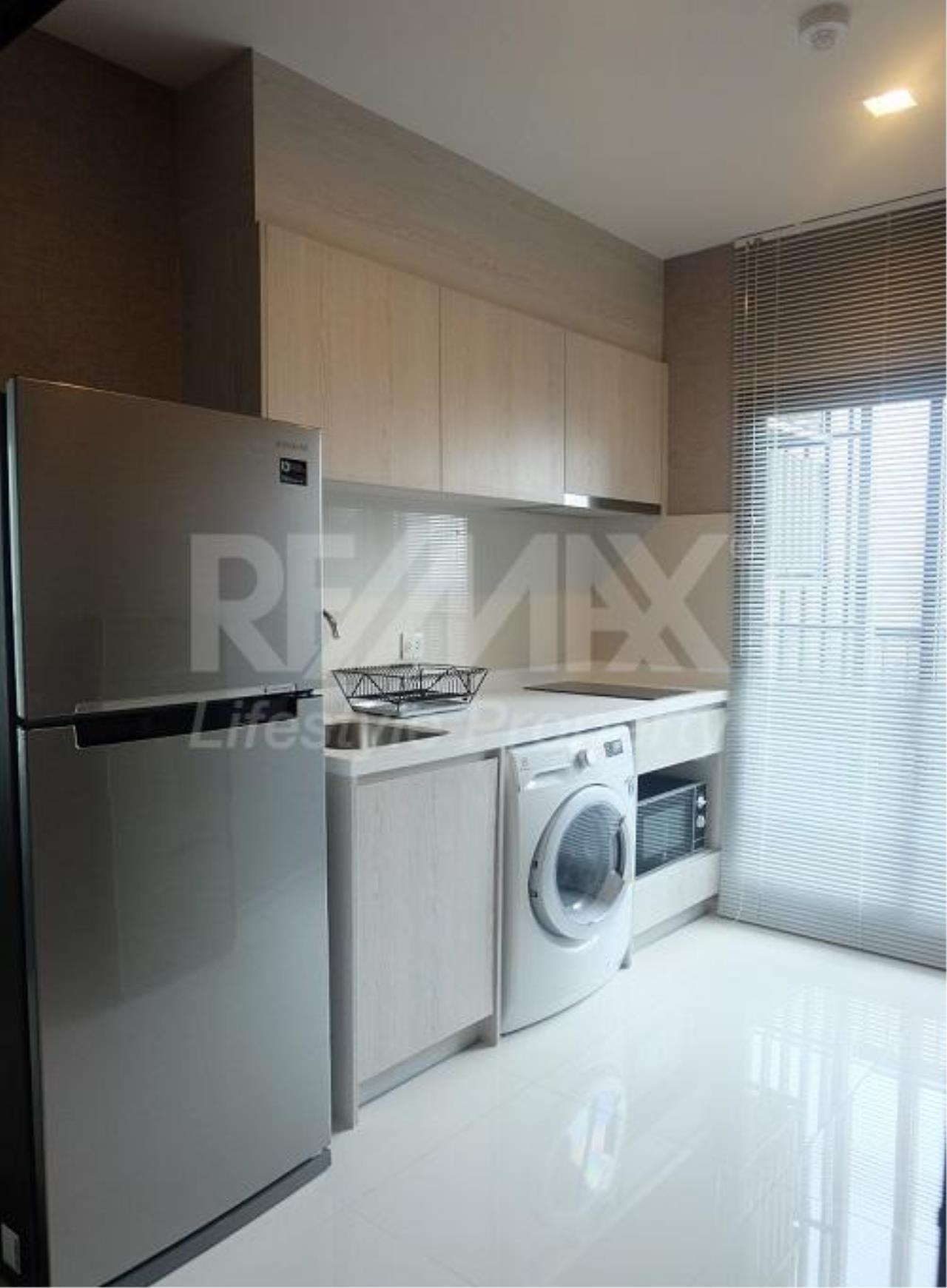 RE/MAX LifeStyle Property Agency's Life Sukhumvit 48 8