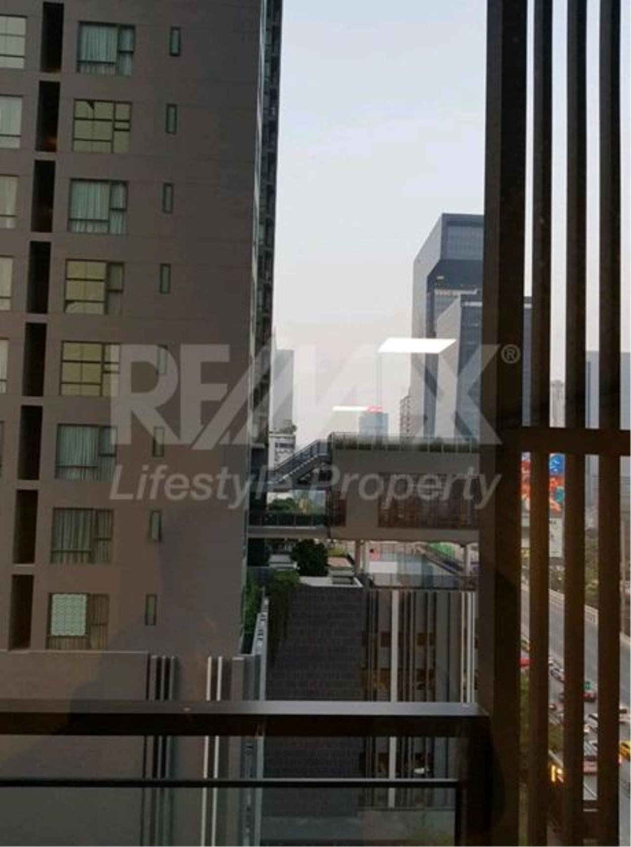 RE/MAX LifeStyle Property Agency's Chewathai Residence Asoke 7