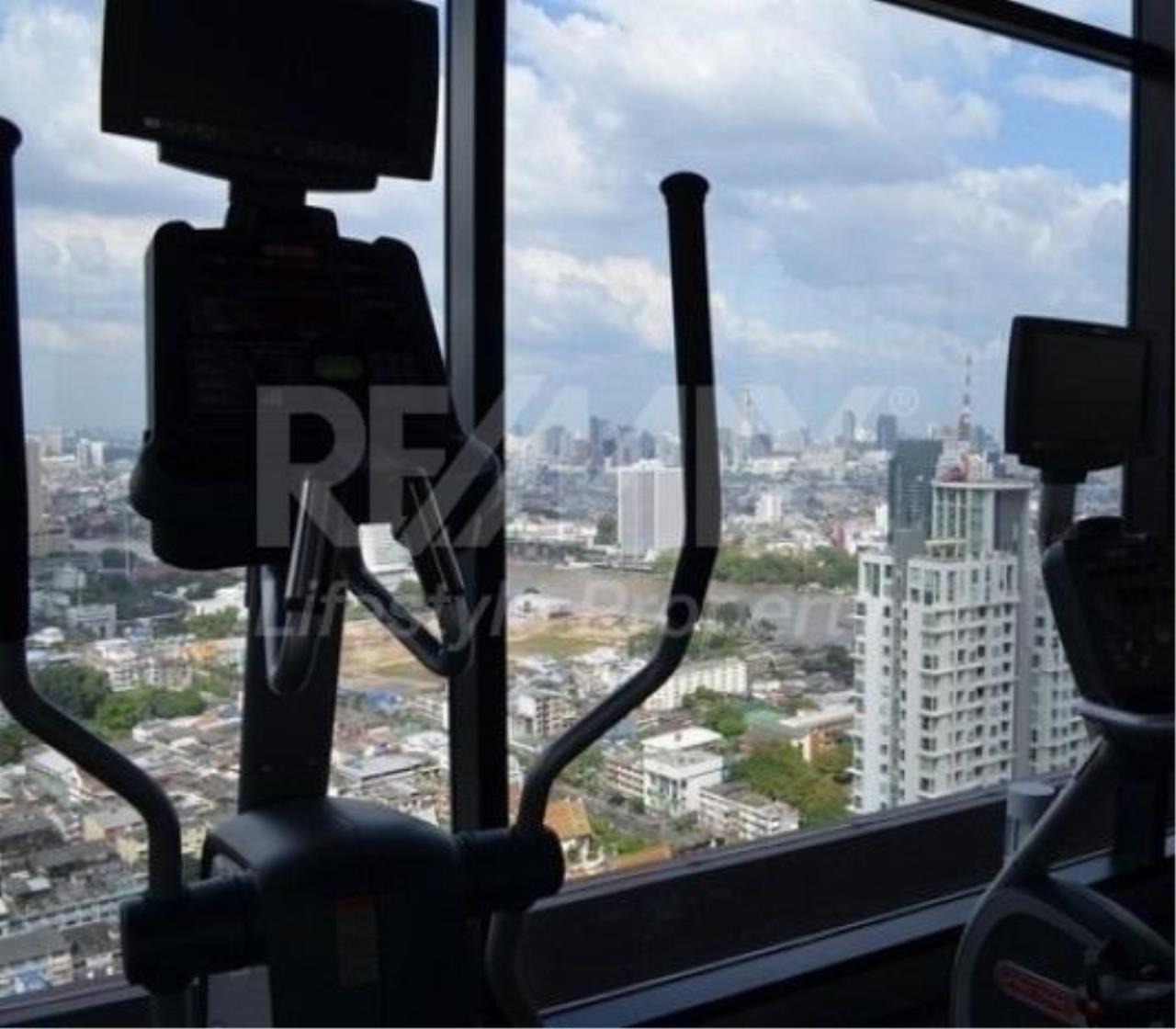 RE/MAX LifeStyle Property Agency's Urbano Absolute Sathon-Taksin 1