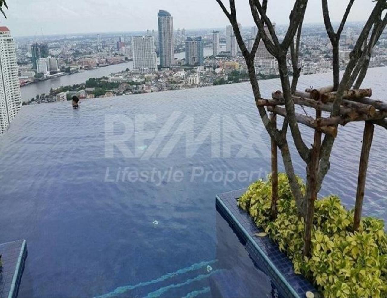RE/MAX LifeStyle Property Agency's Urbano Absolute Sathon-Taksin 3