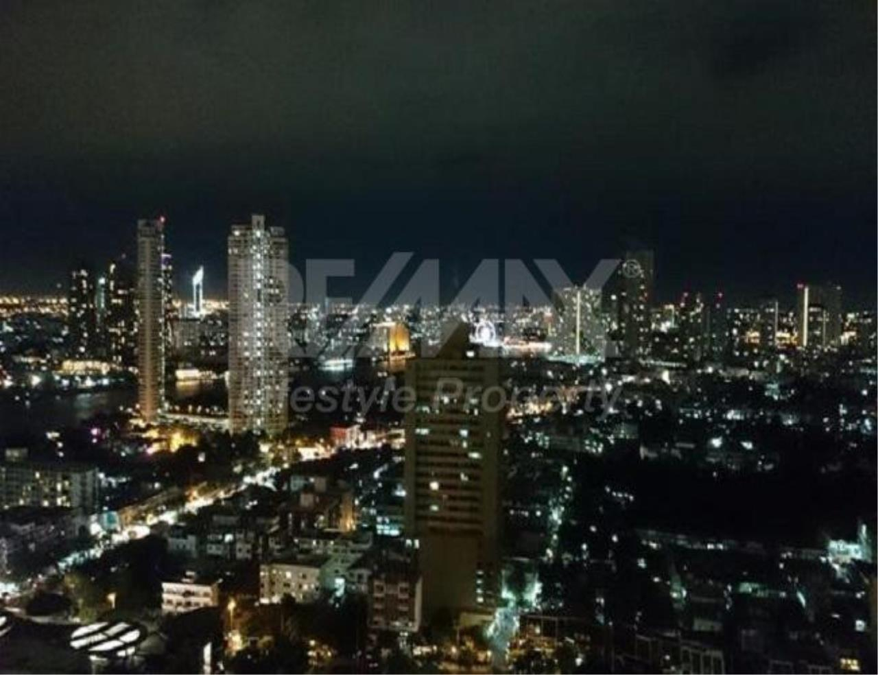 RE/MAX LifeStyle Property Agency's Urbano Absolute Sathon-Taksin 10