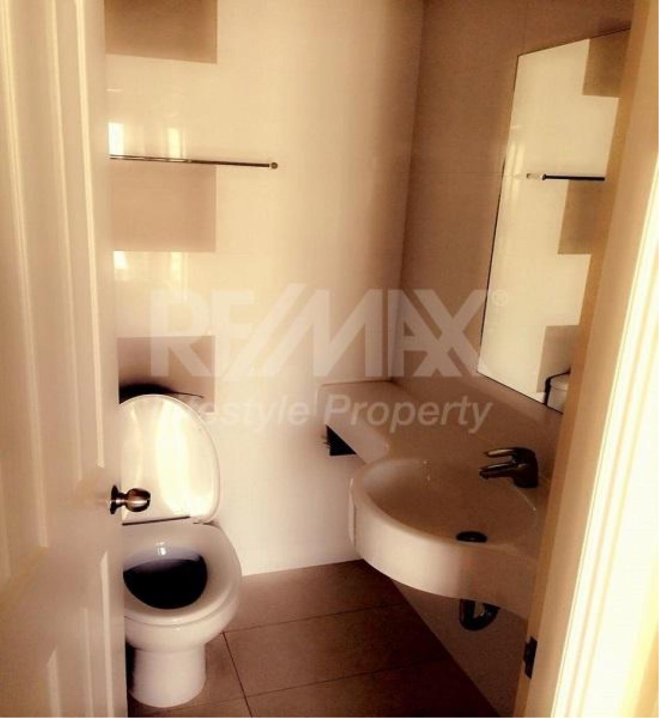 RE/MAX LifeStyle Property Agency's Lumpini Place Rama 4-Kluaynamthai 3
