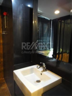 RE/MAX LifeStyle Property Agency's Baan Prompong 10
