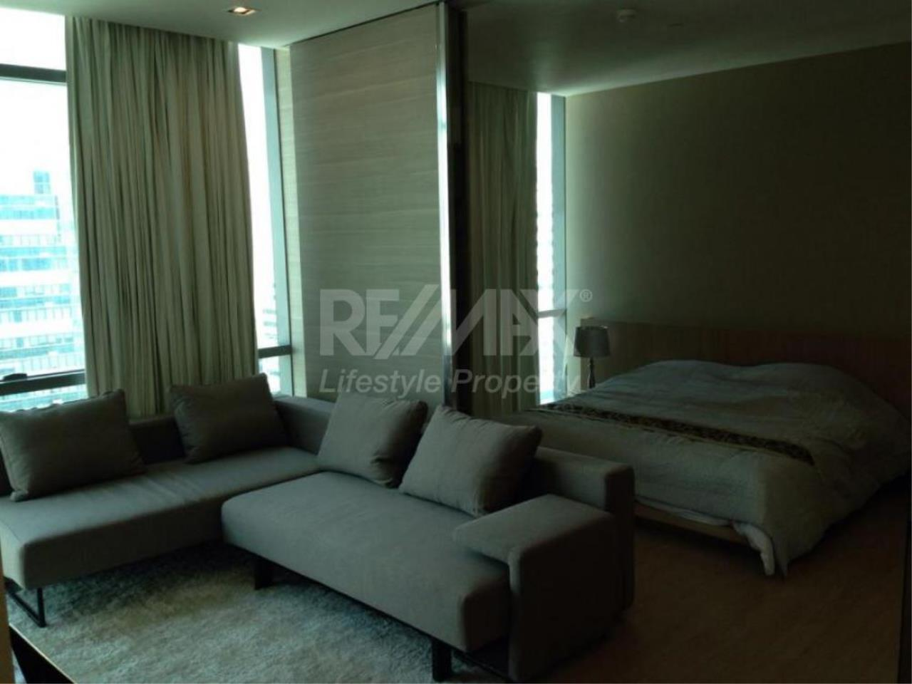 RE/MAX LifeStyle Property Agency's The Room Sukhumvit 21 12