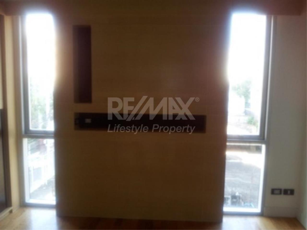 RE/MAX LifeStyle Property Agency's Quad Silom 7