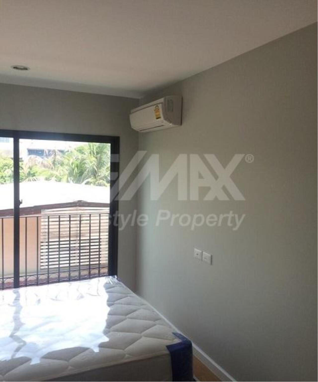 RE/MAX LifeStyle Property Agency's Condolette Dwell Sukhumvit 26 7