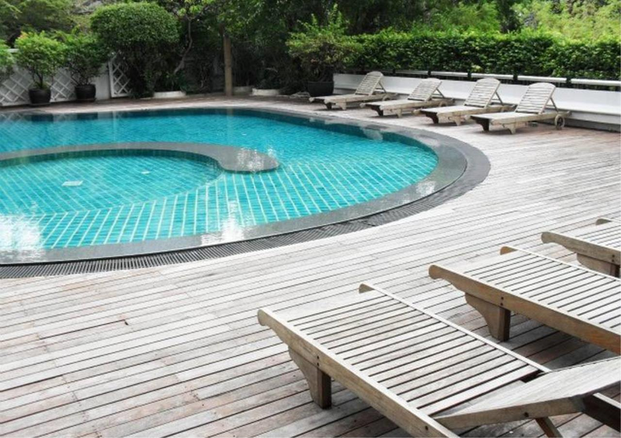 Bangkok Residential Agency's 3 Bed Apartment For Rent in Sathorn BR0036AP 9