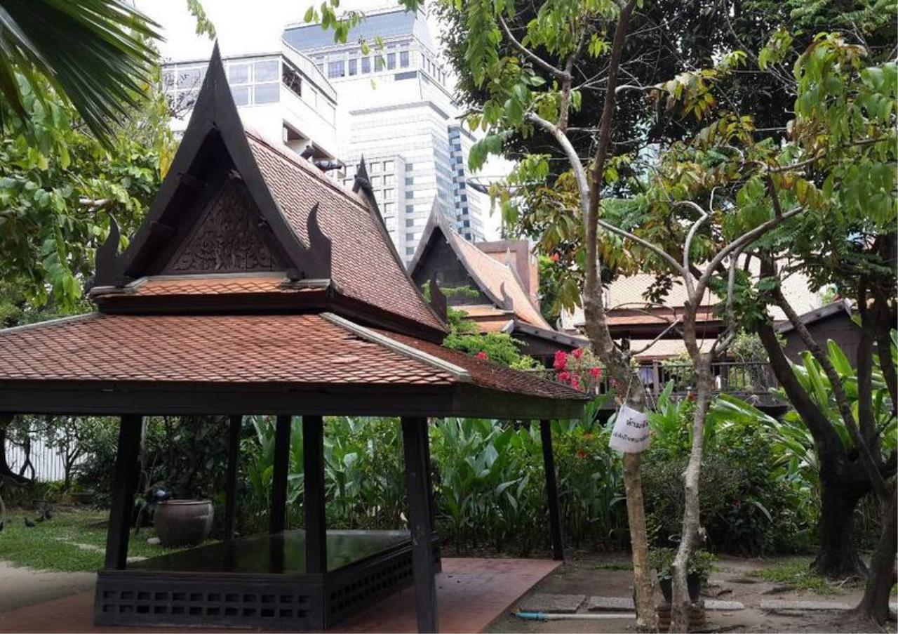 Bangkok Residential Agency's 3 Bed Apartment For Rent in Sathorn BR0036AP 10