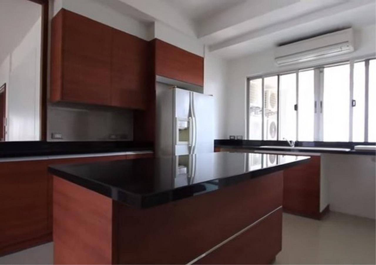 Bangkok Residential Agency's 3 Bed Apartment For Rent in Sathorn BR0036AP 3