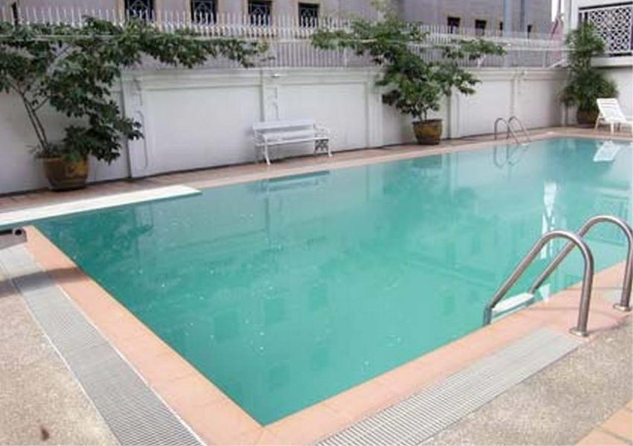 Bangkok Residential Agency's 3 Bed Apartment For Rent in Chidlom BR0081AP 1