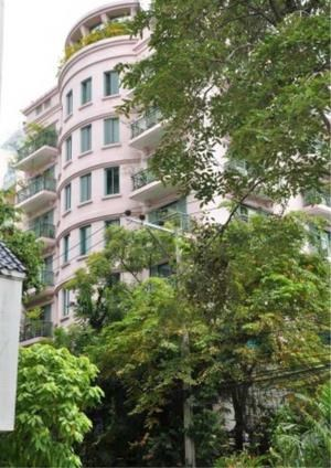 Bangkok Residential Agency's 3 Bed Apartment For Rent in Chidlom BR0101AP 1