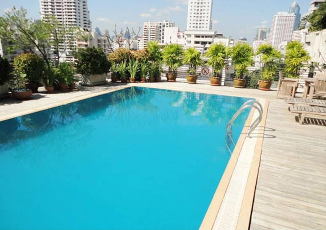 Bangkok Residential Agency's 3 Bed Apartment For Rent in Asoke BR0124AP 2