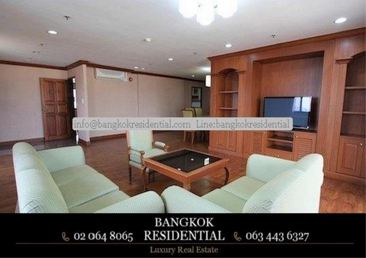 Bangkok Residential Agency's 3 Bed Serviced Apartment For Rent in Asoke BR0162AP 2