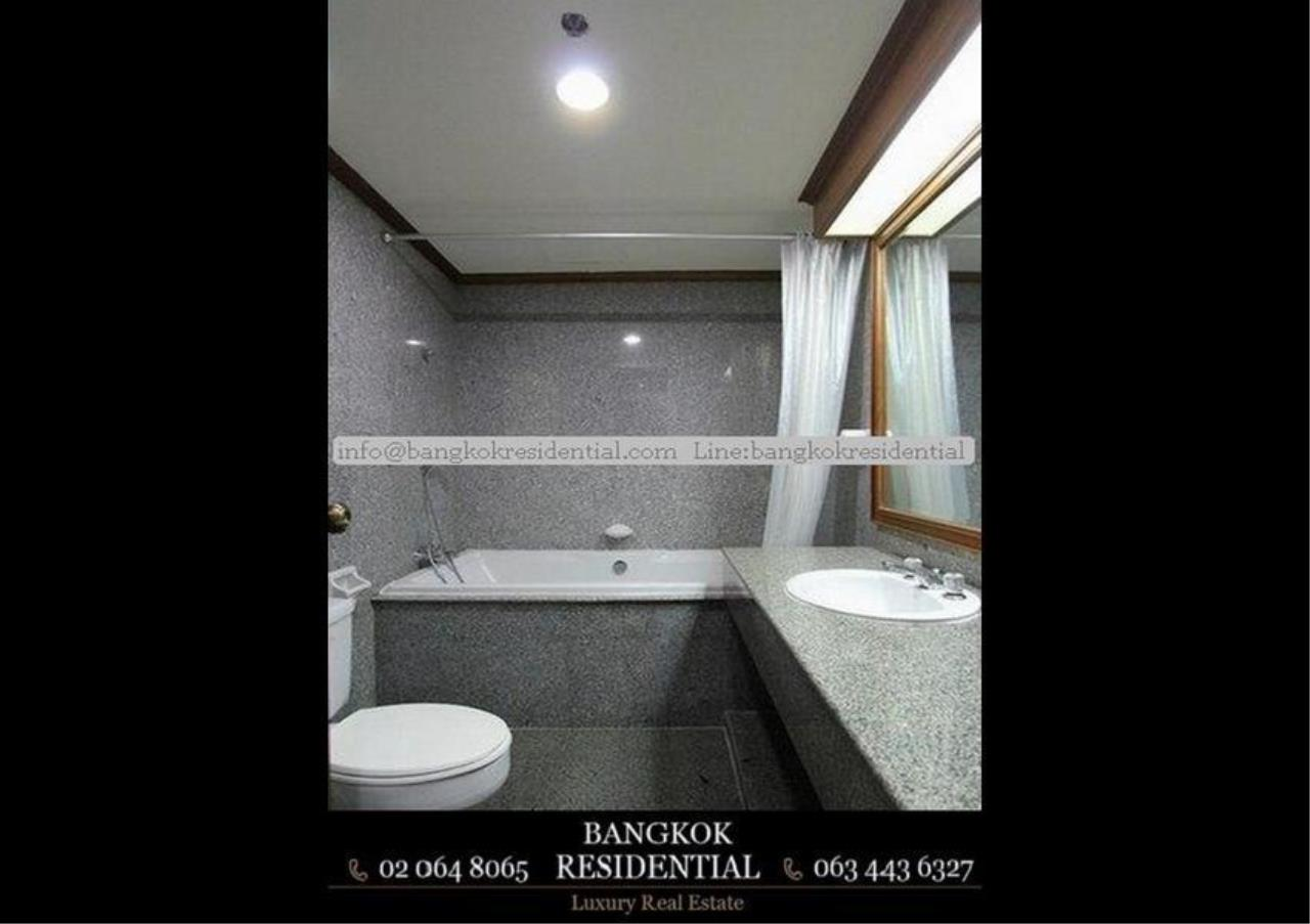 Bangkok Residential Agency's 3 Bed Serviced Apartment For Rent in Asoke BR0162AP 11