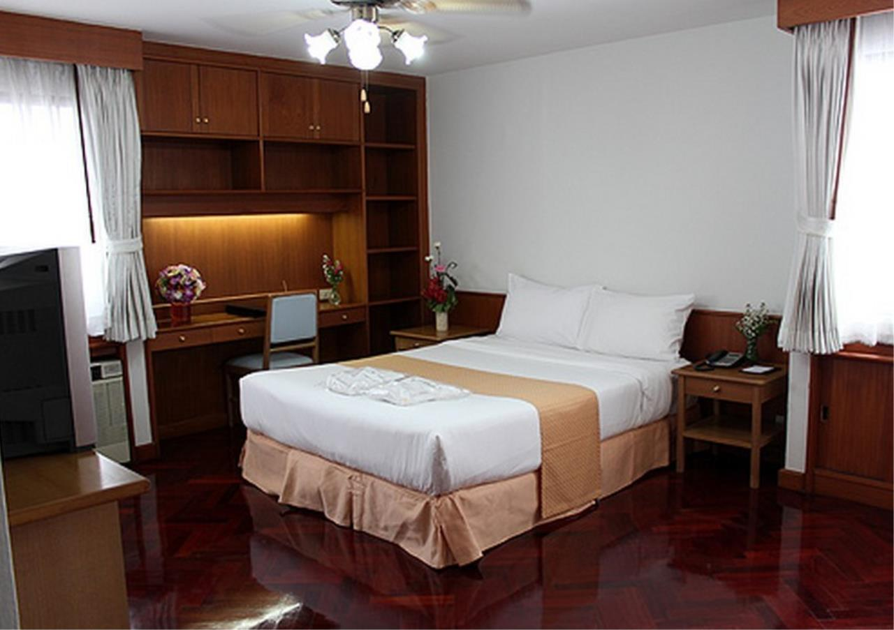 Bangkok Residential Agency's 2 Bed Apartment For Rent in Nana BR0177AP 4
