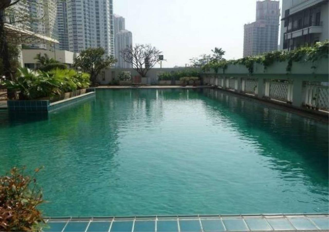 Bangkok Residential Agency's 4 Bed Penthouse For Rent in Phrom Phong BR0264AP 2