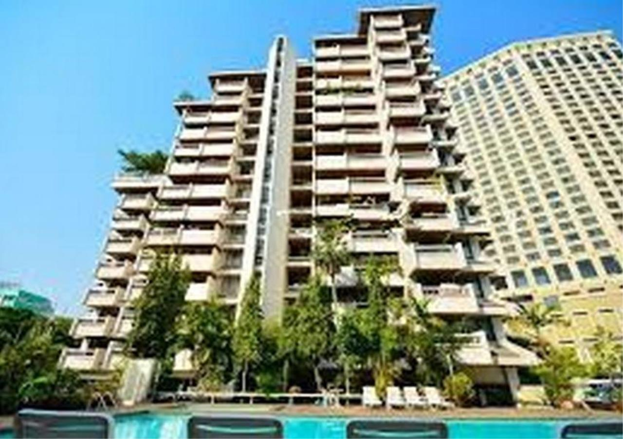 Bangkok Residential Agency's 4 Bed Apartment For Rent in Asoke BR0274AP 4