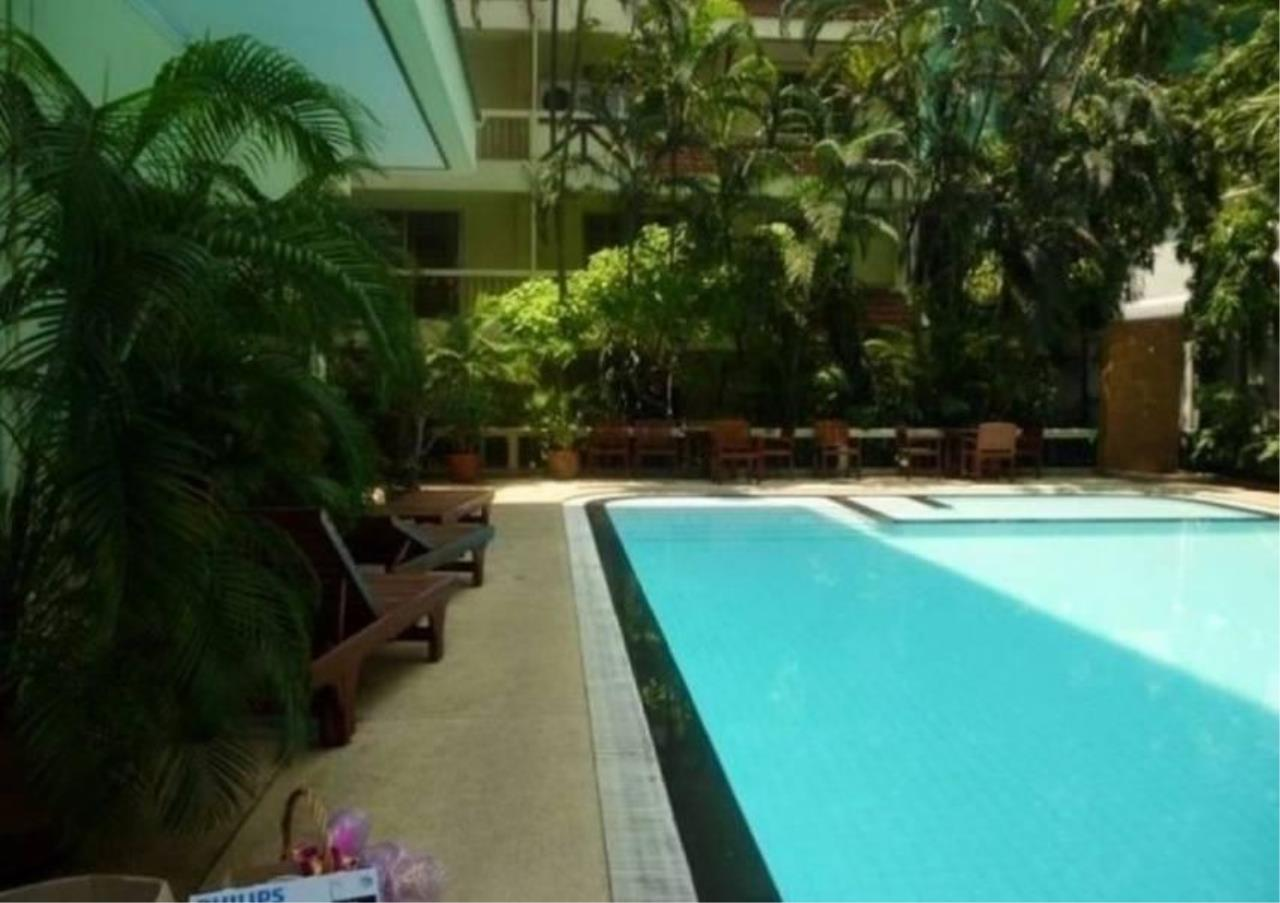 Bangkok Residential Agency's 3 Bed Apartment For Rent in Phrom Phong BR0282AP 2