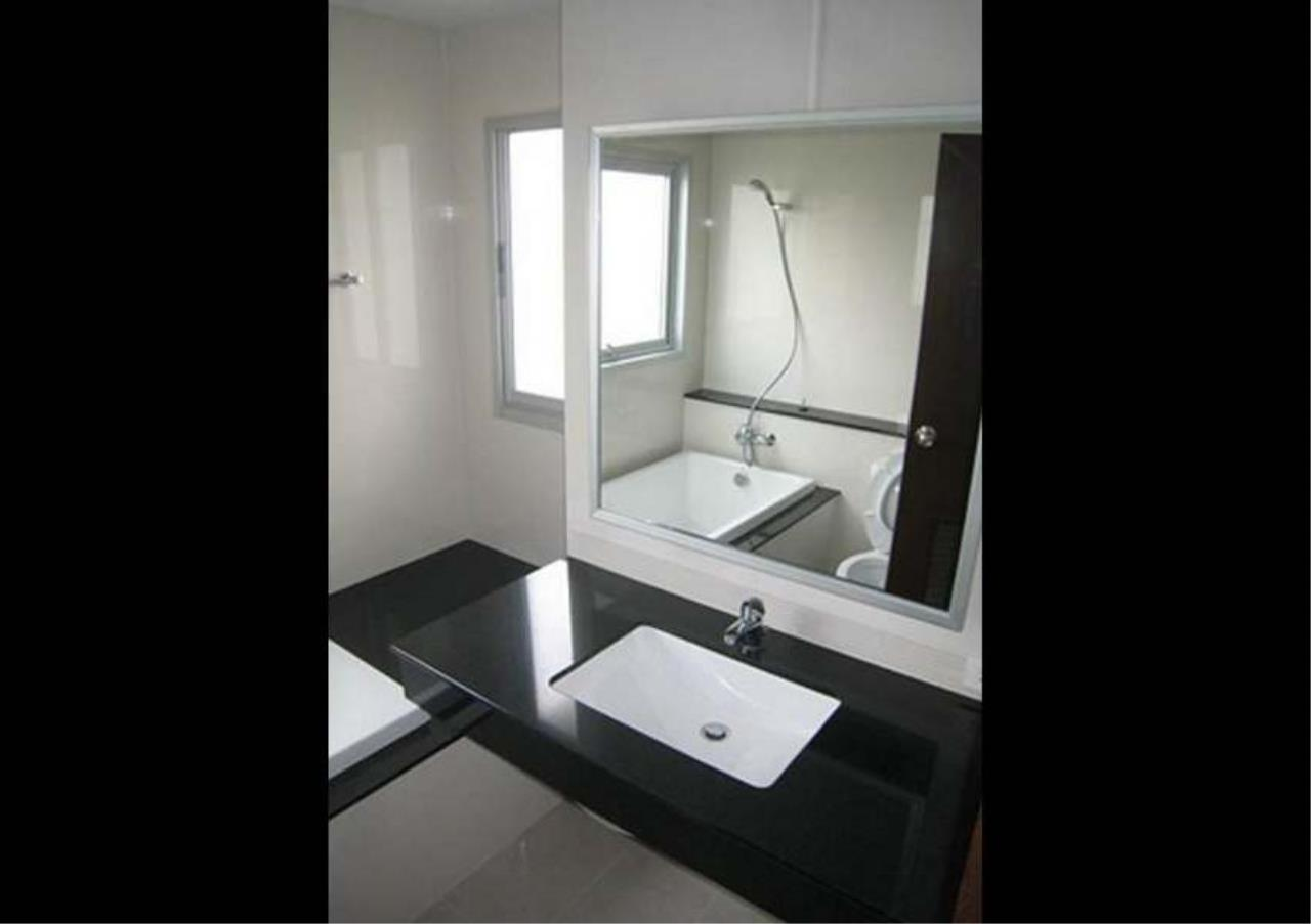 Bangkok Residential Agency's 2 Bed Apartment For Rent in Asoke BR0336AP 12