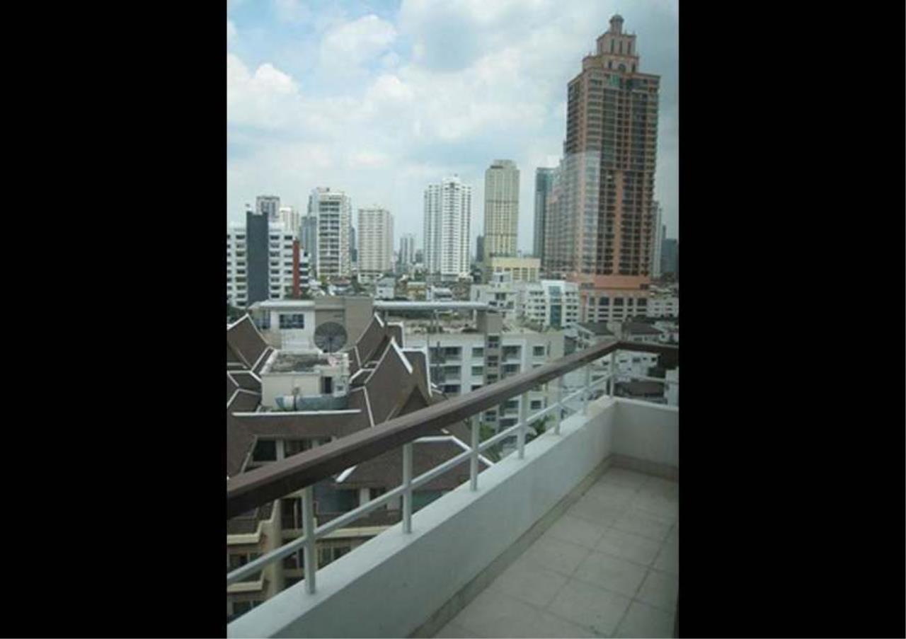 Bangkok Residential Agency's 2 Bed Apartment For Rent in Asoke BR0336AP 4