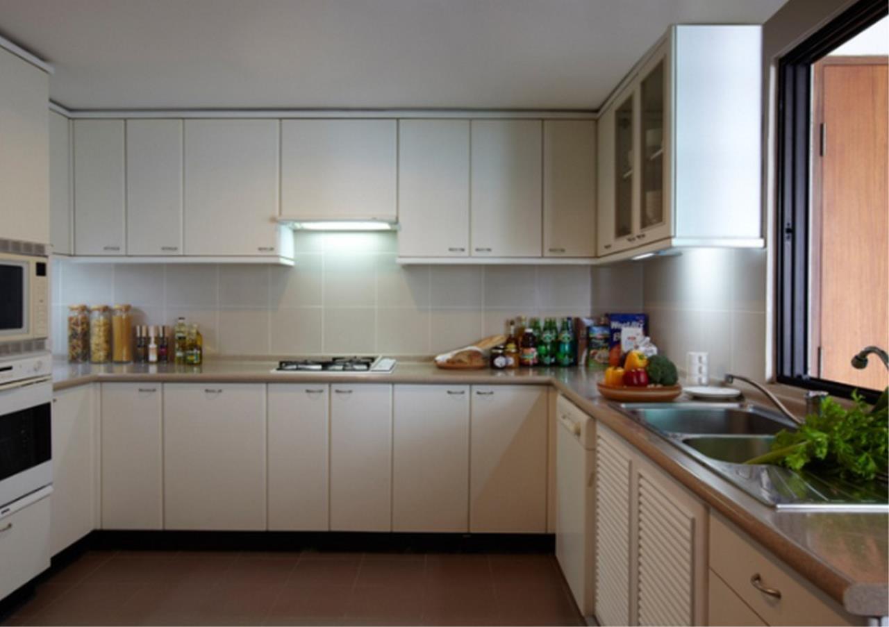 Bangkok Residential Agency's 3 Bed Apartment For Rent in Asoke BR0364AP 5