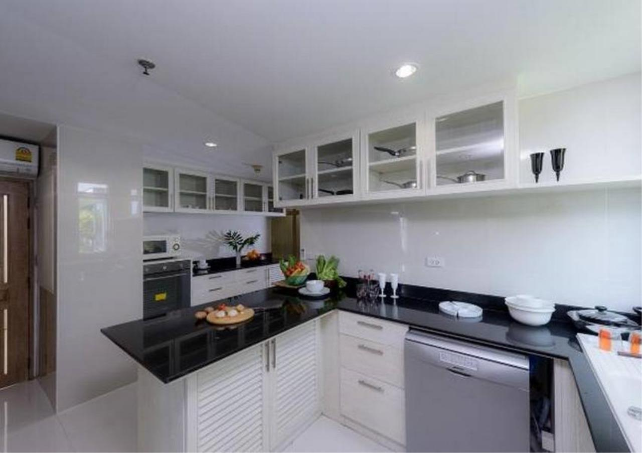 Bangkok Residential Agency's 5 Bed Penthouse For Rent in Phrom Phong BR0406AP 4