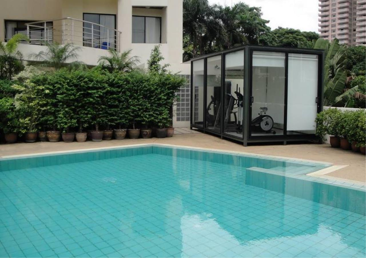 Bangkok Residential Agency's 3 Bed Apartment For Rent in Sathorn BR0456AP 5