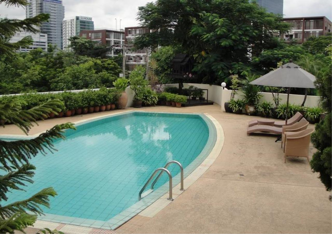 Bangkok Residential Agency's 3 Bed Apartment For Rent in Sathorn BR0456AP 4