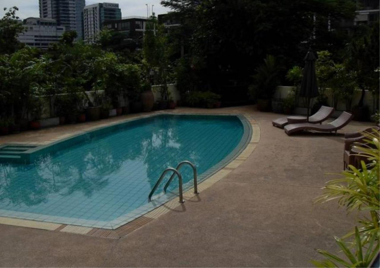 Bangkok Residential Agency's 3 Bed Apartment For Rent in Sathorn BR0456AP 3