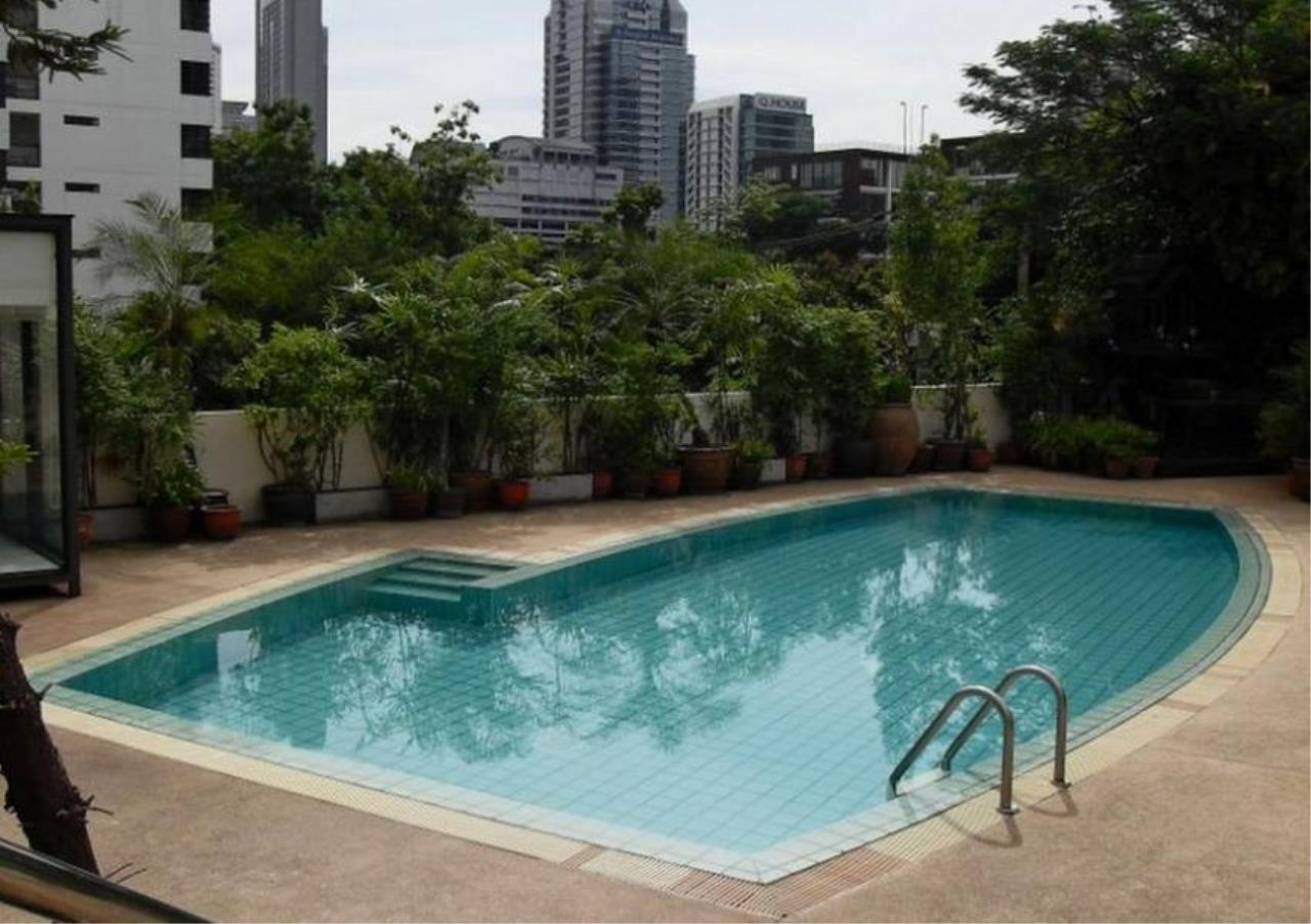 Bangkok Residential Agency's 3 Bed Apartment For Rent in Sathorn BR0456AP 2