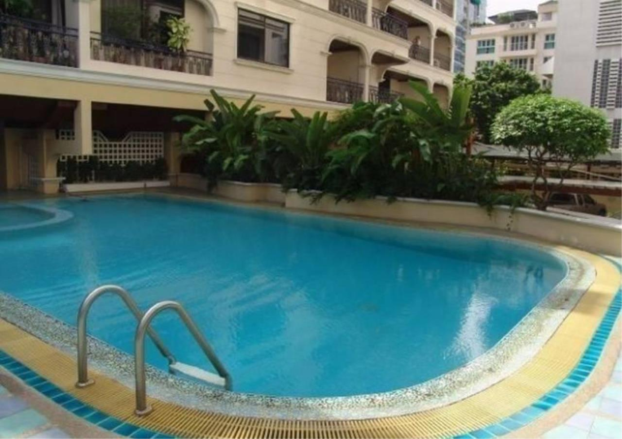 Bangkok Residential Agency's 2 Bed Apartment For Rent in Chidlom BR0560AP 1