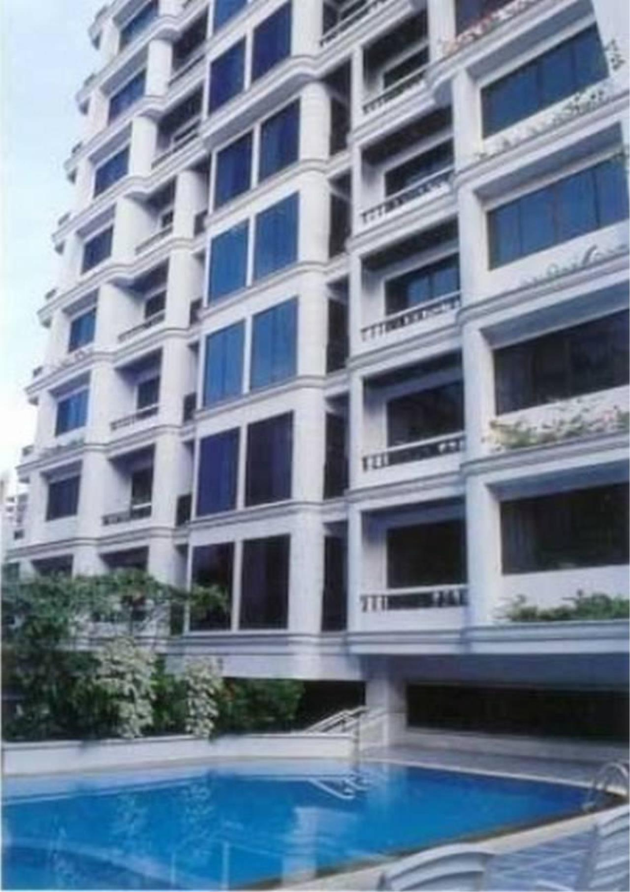 Bangkok Residential Agency's 2 Bed Apartment For Rent in Chidlom BR0560AP 2