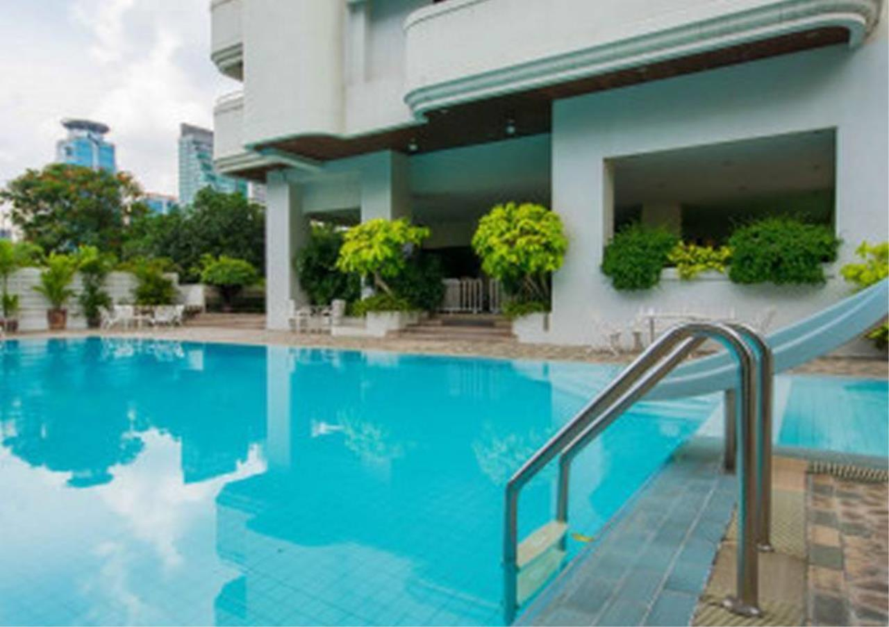 Bangkok Residential Agency's 3 Bed Apartment For Rent in Nana BR0572AP 1