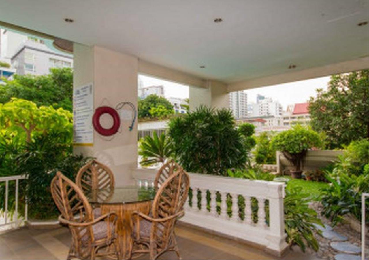 Bangkok Residential Agency's 3 Bed Apartment For Rent in Nana BR0572AP 4