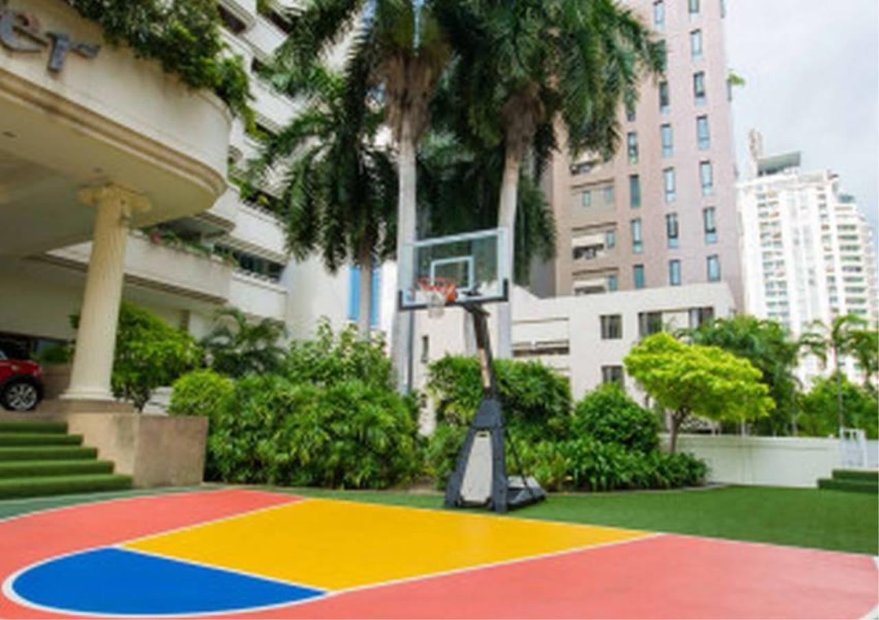 Bangkok Residential Agency's 3 Bed Apartment For Rent in Nana BR0572AP 5