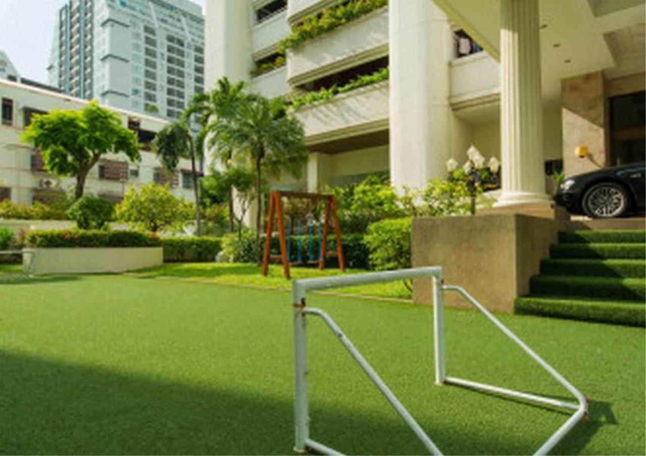 Bangkok Residential Agency's 3 Bed Apartment For Rent in Nana BR0572AP 7