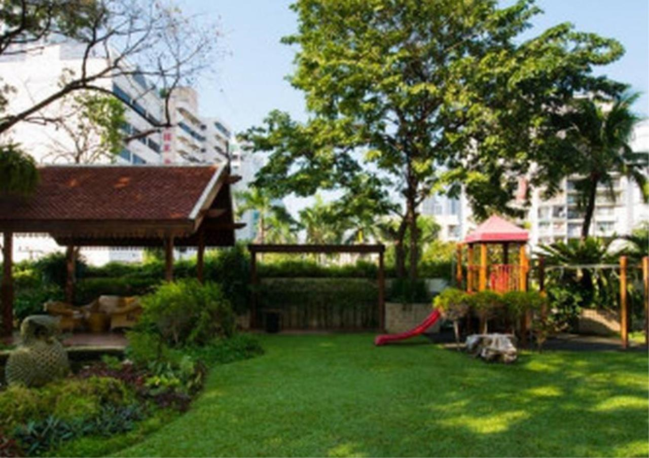 Bangkok Residential Agency's 3 Bed Apartment For Rent in Nana BR0583AP 5