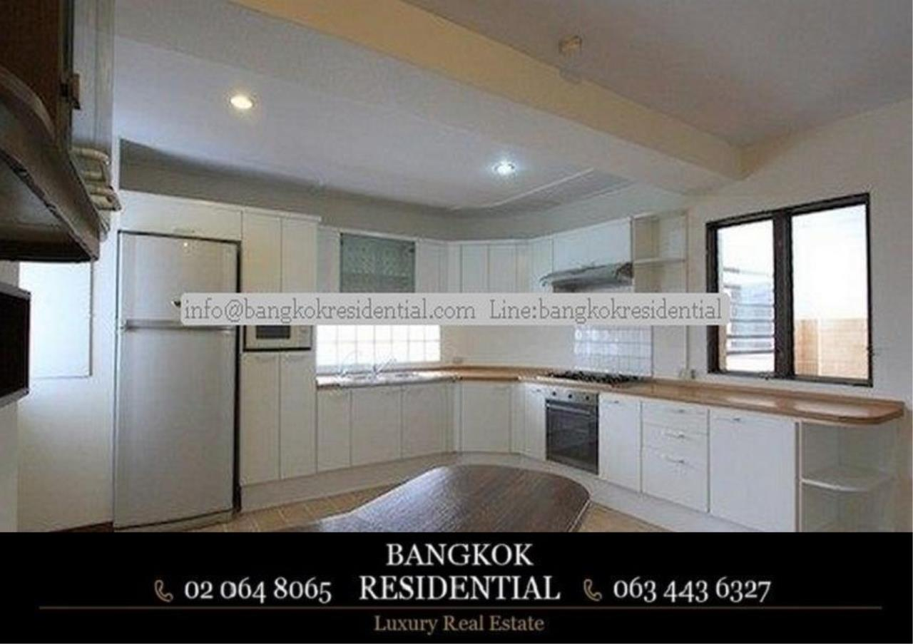 Bangkok Residential Agency's 3 Bed Apartment For Rent in Nana BR0583AP 9