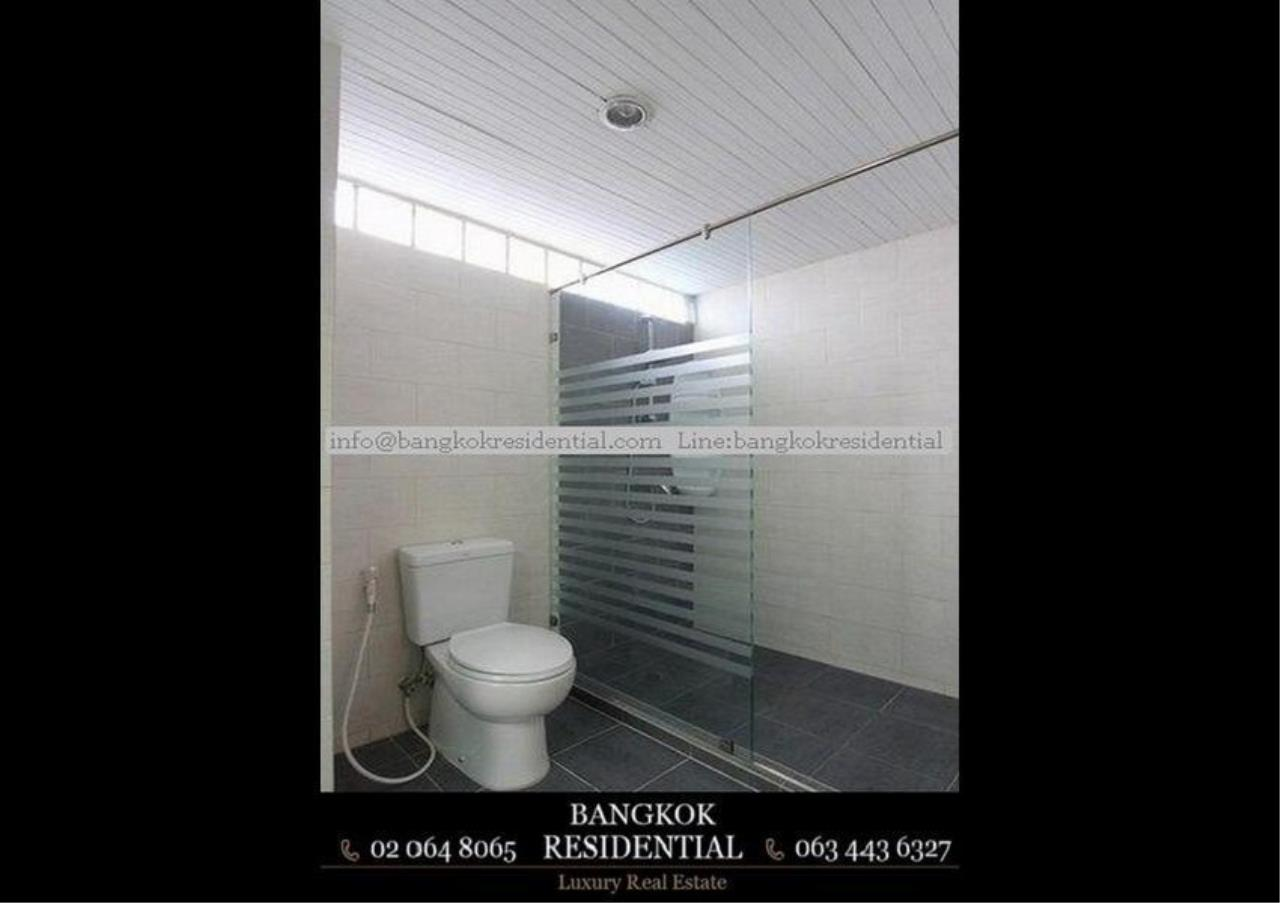 Bangkok Residential Agency's 3 Bed Apartment For Rent in Nana BR0583AP 14