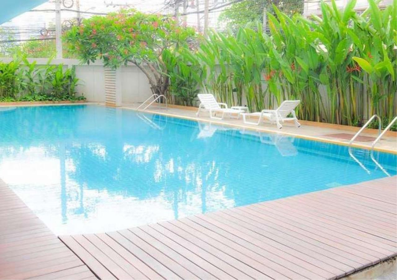 Bangkok Residential Agency's 3 Bed Apartment For Rent in Phloenchit BR0638AP 1