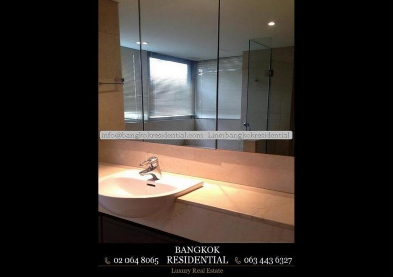 Bangkok Residential Agency's 3 Bed Apartment For Rent in Phloenchit BR0639AP 25