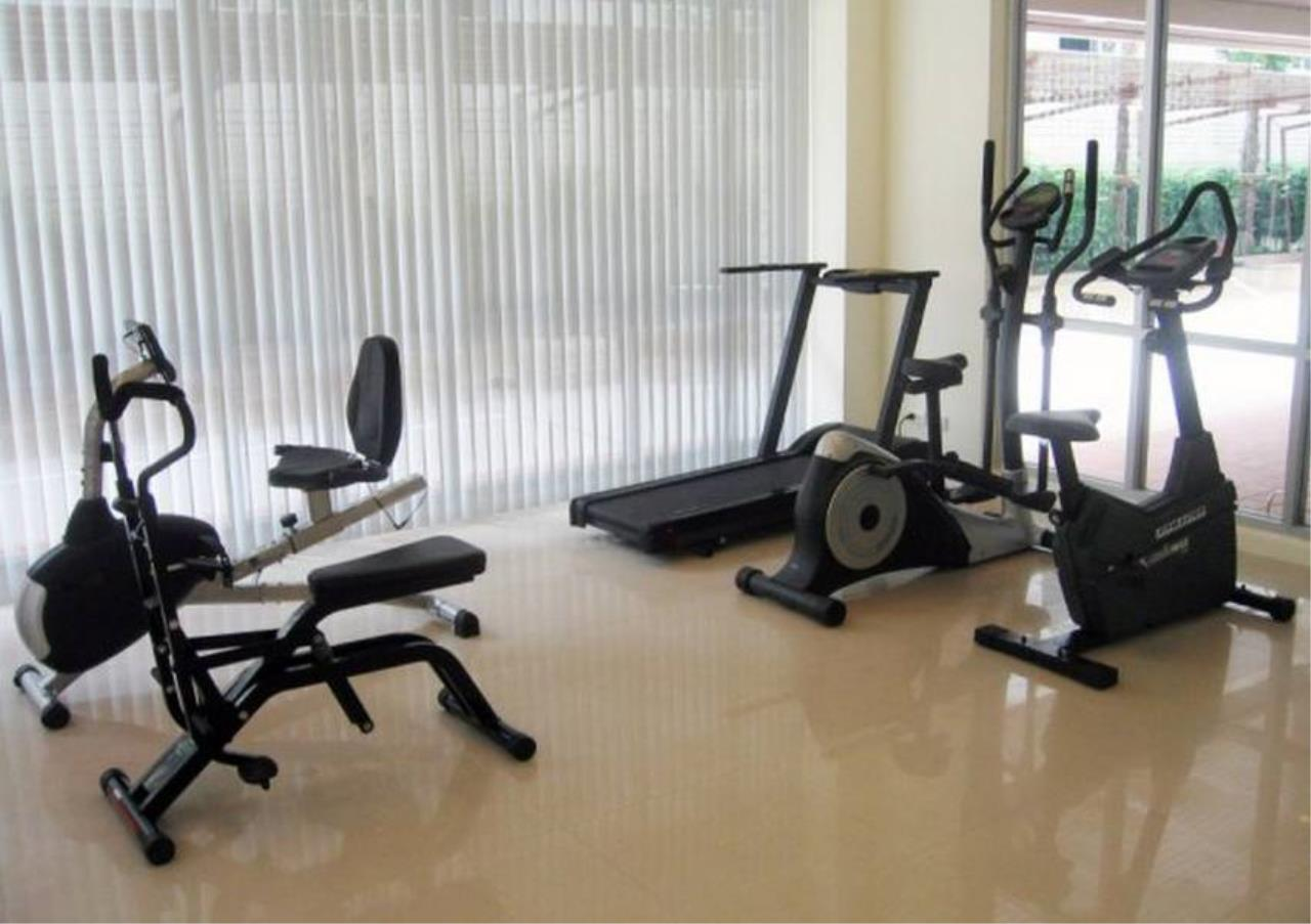 Bangkok Residential Agency's 3 Bed Apartment For Rent in Sathorn BR0662AP 2