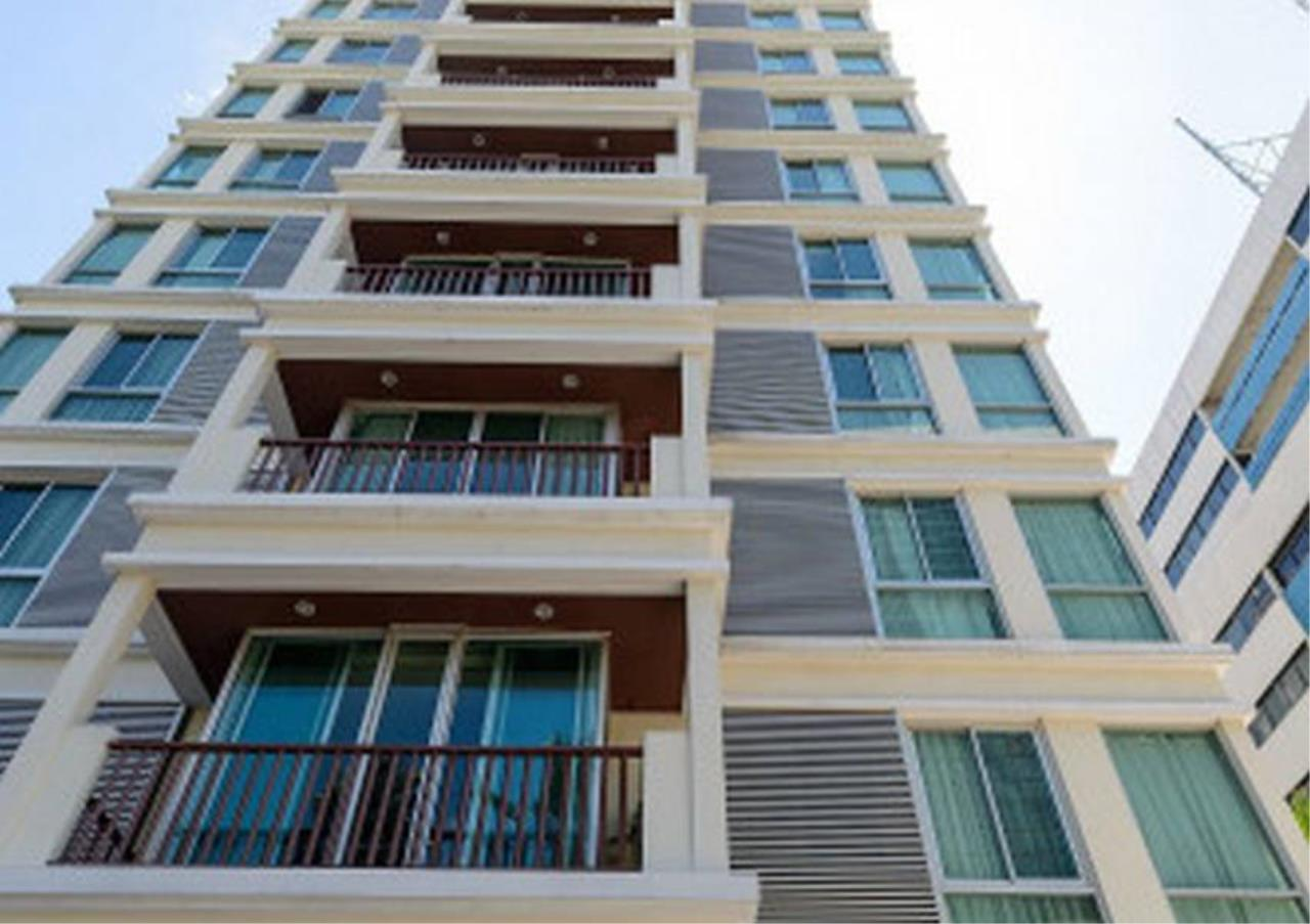 Bangkok Residential Agency's 3 Bed Apartment For Rent in Sathorn BR0662AP 5