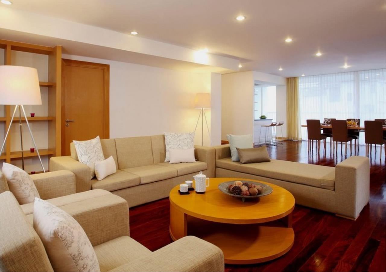 Bangkok Residential Agency's 3 Bed Apartment For Rent in Ekkamai BR0707AP 2