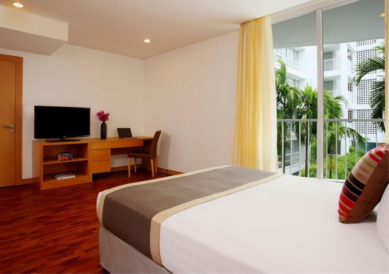 Bangkok Residential Agency's 3 Bed Apartment For Rent in Ekkamai BR0707AP 9