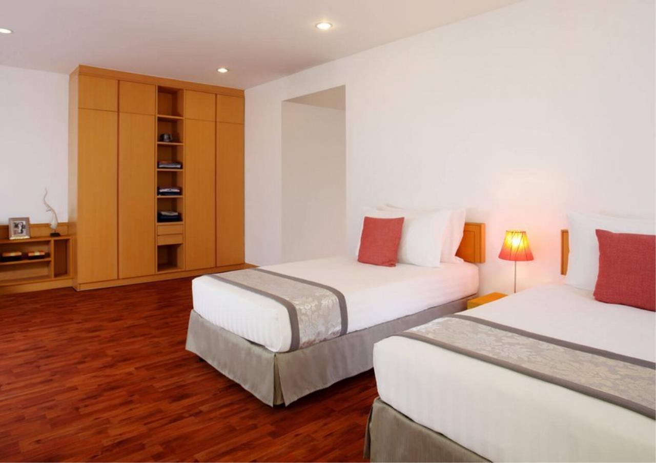 Bangkok Residential Agency's 3 Bed Apartment For Rent in Ekkamai BR0707AP 11