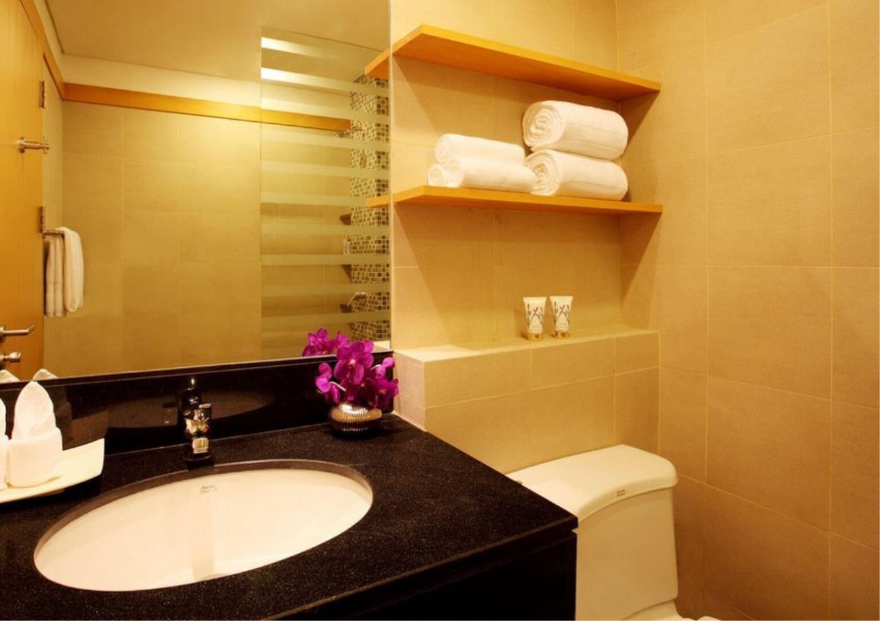 Bangkok Residential Agency's 3 Bed Apartment For Rent in Ekkamai BR0709AP 12